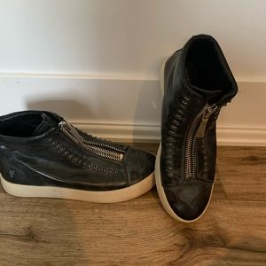 Frye leather tennis shoes Lena zip low
